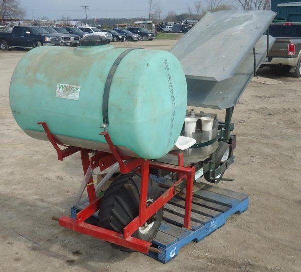 Holland Transplanter with Tank & Extra Tray