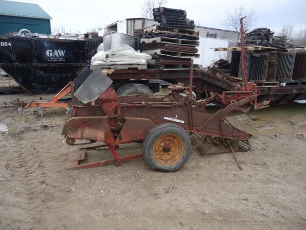 "McCormick 25"" Harvester with Sorting Table and Box Bagger"